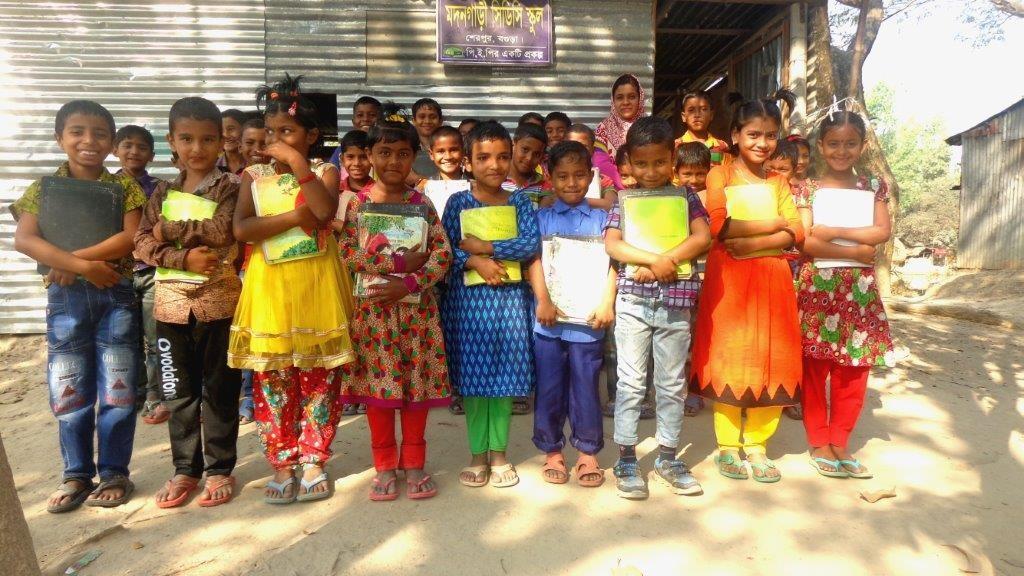 So sehen glückliche Schulkinder aus...;-)